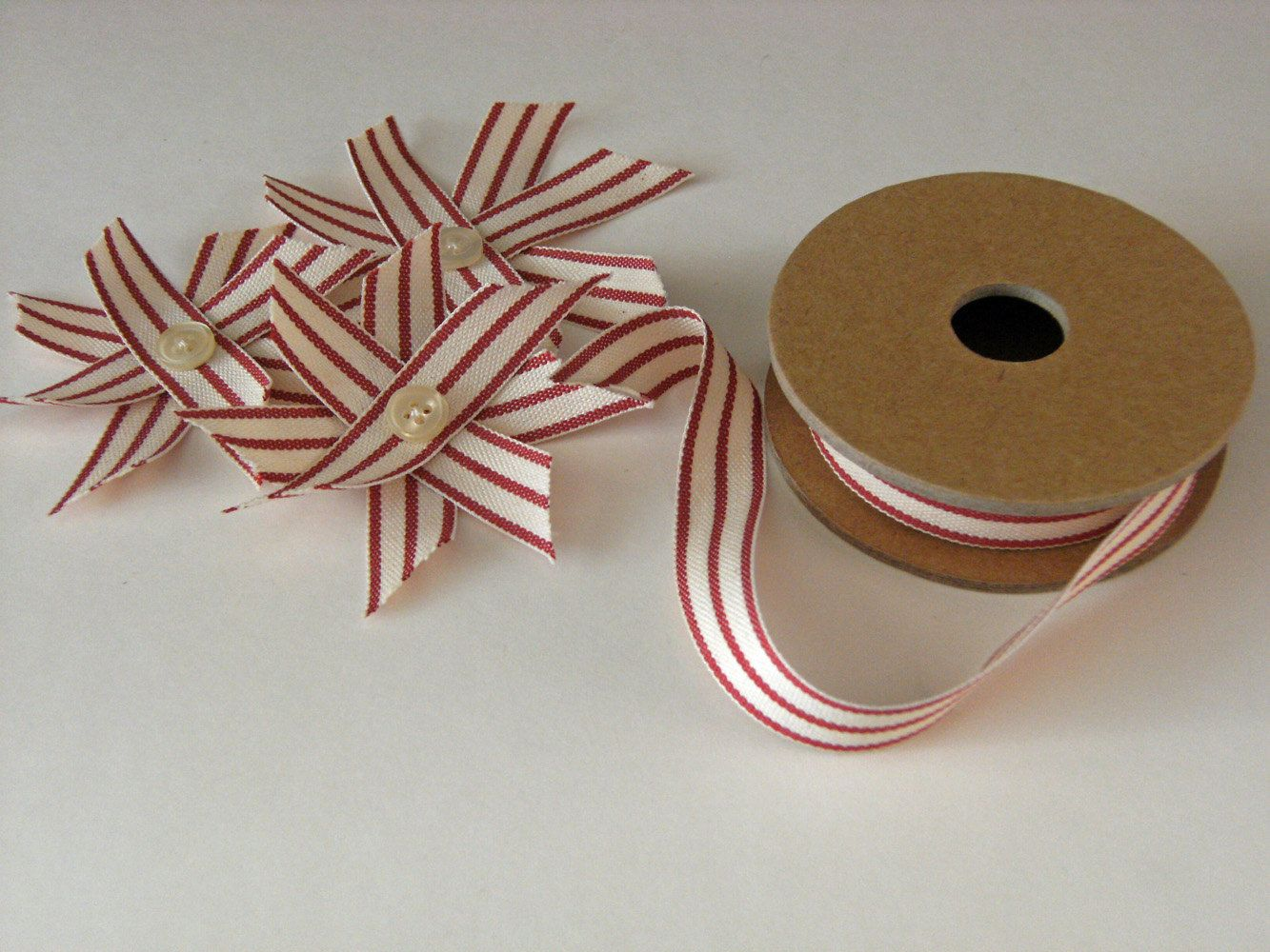 Xmas DIY vintage red flowers stars l decor gift wrap or paper