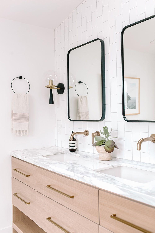 Amanda Dawbarn Bathroom Master Bathroom Renovation Double Vanity Bathroom Oak Bathroom Vanity [ 1500 x 1000 Pixel ]