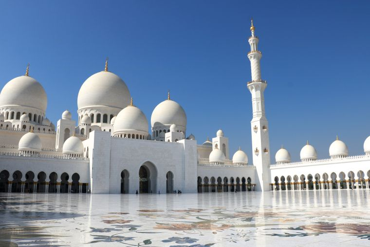 Dear fellow travelers, As I told you in a previous post, I've spent a day in Abu Dhabi: I took a day trip from Dubai. We booked this tour with Viator and were quite happy with that, even thou…