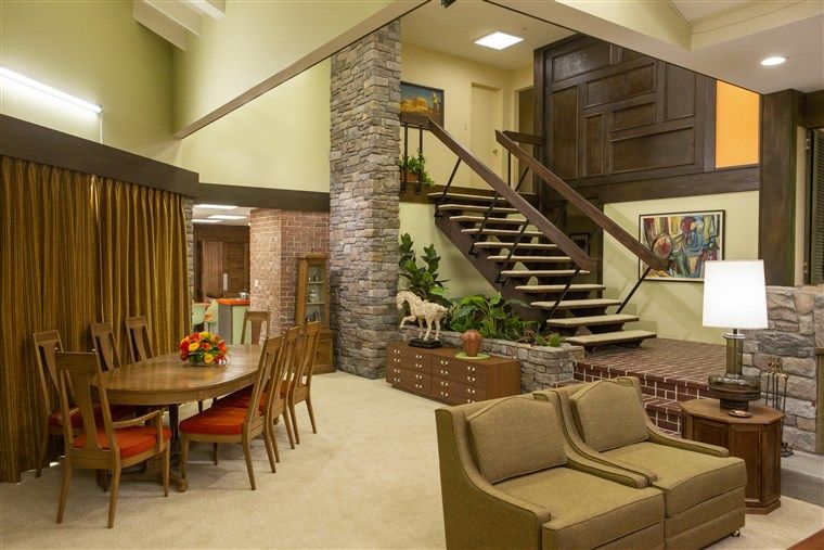 The Brady Bunch house renovation is plete — a sneak peek