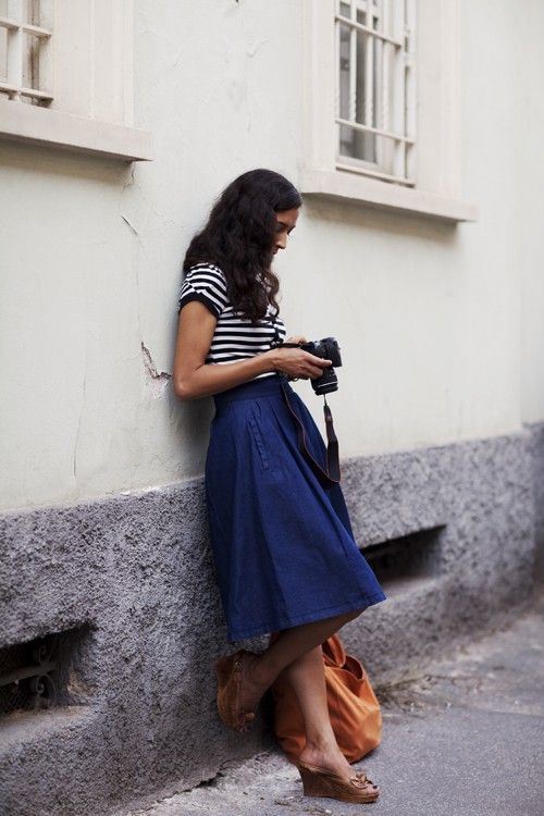 ~ pulling off a 'mom' skirt w/ a classic striped tee and classy wedges (note to self for Fall)
