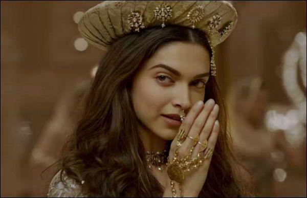 Guess The Movie Name A Quiz To Have Fun Bridal Jewellery Inspiration Mastani Deepika Padukone