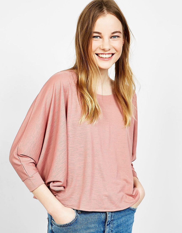 e226bb994 Blusa tipo capa | Clothes | Bershka, Ropa y Blusas