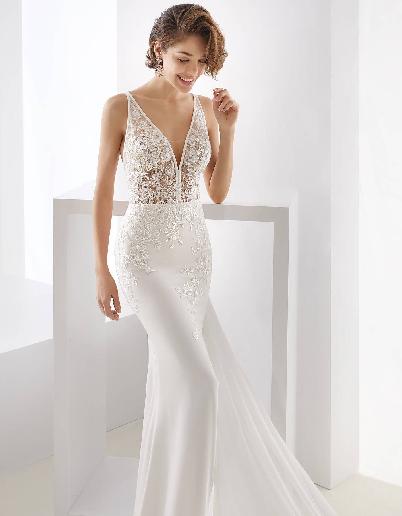 5cb8d72ec7f2 Elegant ivory mermaid dress in cady, sequin beaded rebrode lace, Chantilly  lace and tulle. For a daring woman, with a touch of sophistication.