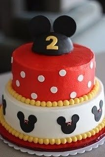 mickey mouse cake for the mickey party to contrast the girl version