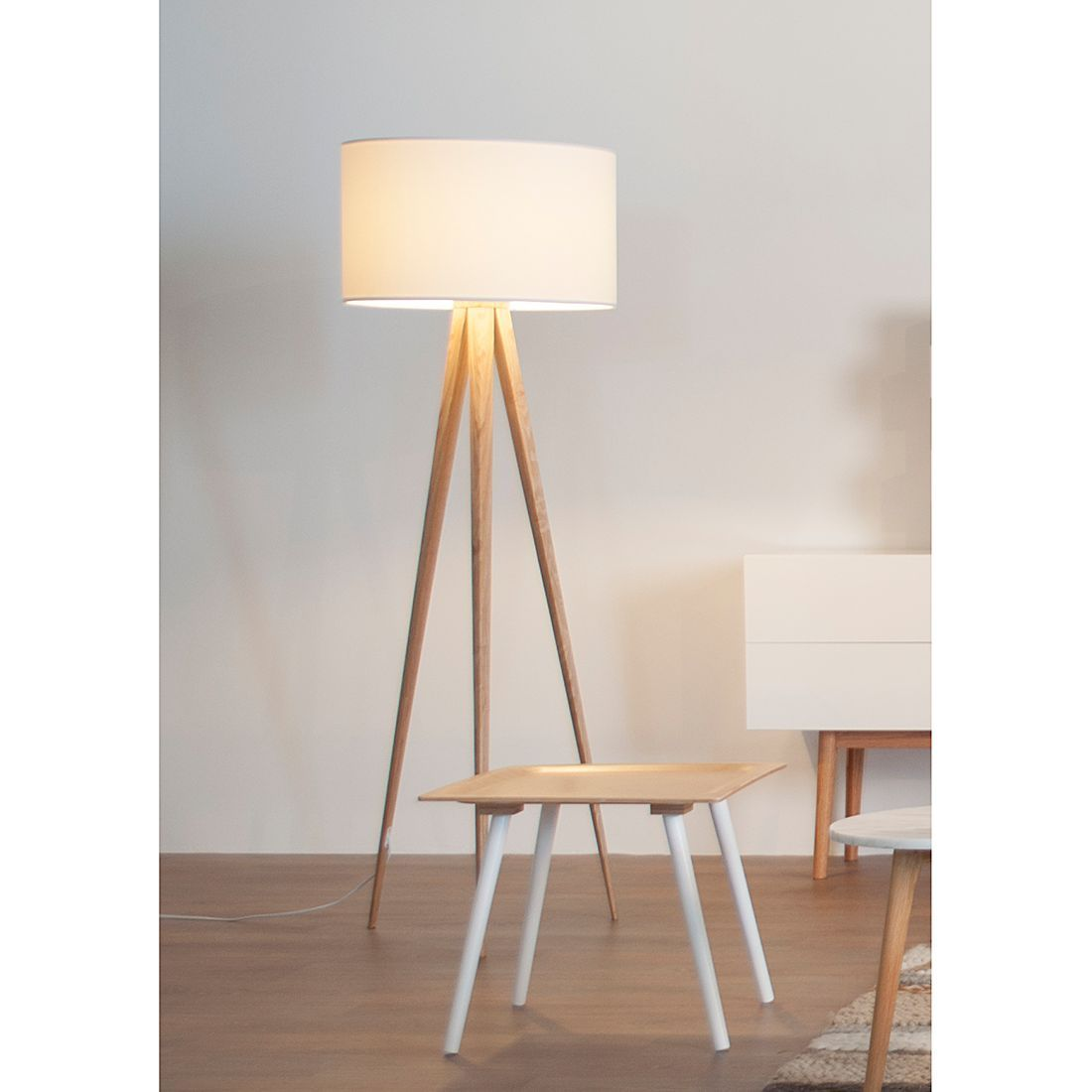 Stehleuchte TRIPOD Wood - 1-flammig - Weiß | Lighting - Iluminacion ...