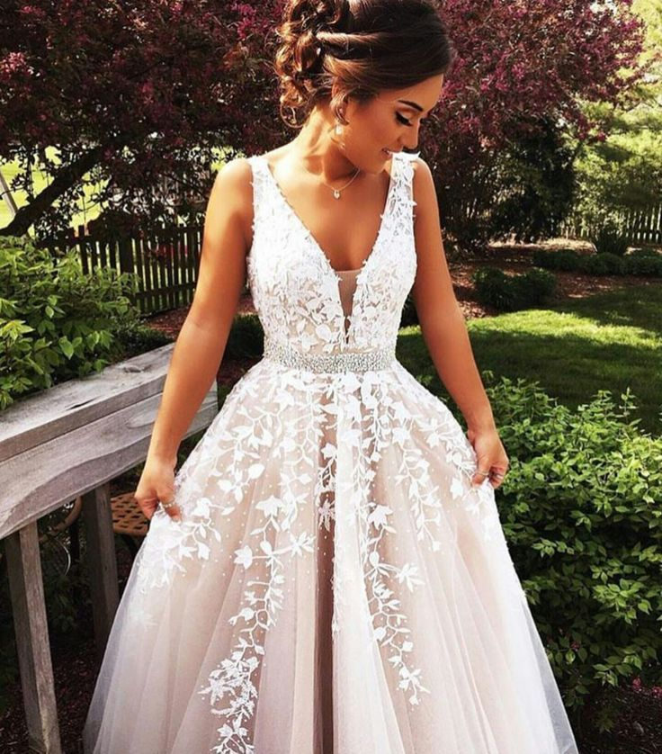 97e94fae6b3 White A-Line V-Neck Sleeveless Floor-Length Tulle Prom Dresses 2017 ...