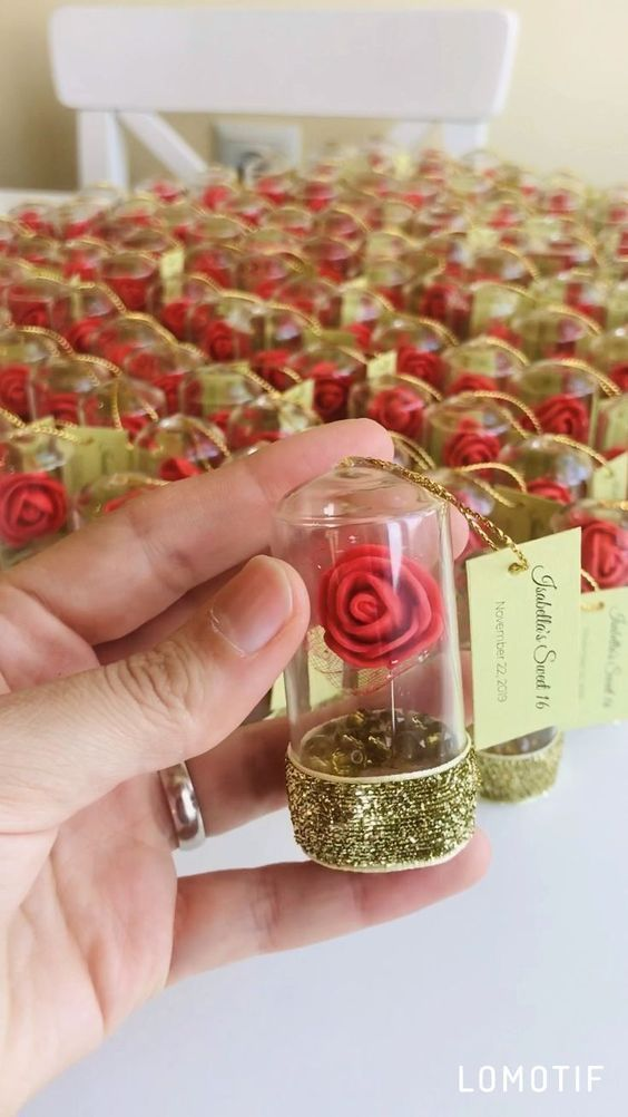 10pcs Red Rose Dome Favors Wedding Favors Beauty a