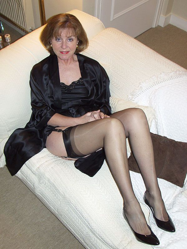 mature amateur stocking tops