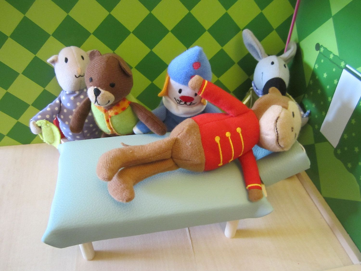 Chiro playset table and 3 animals 6300 via etsy
