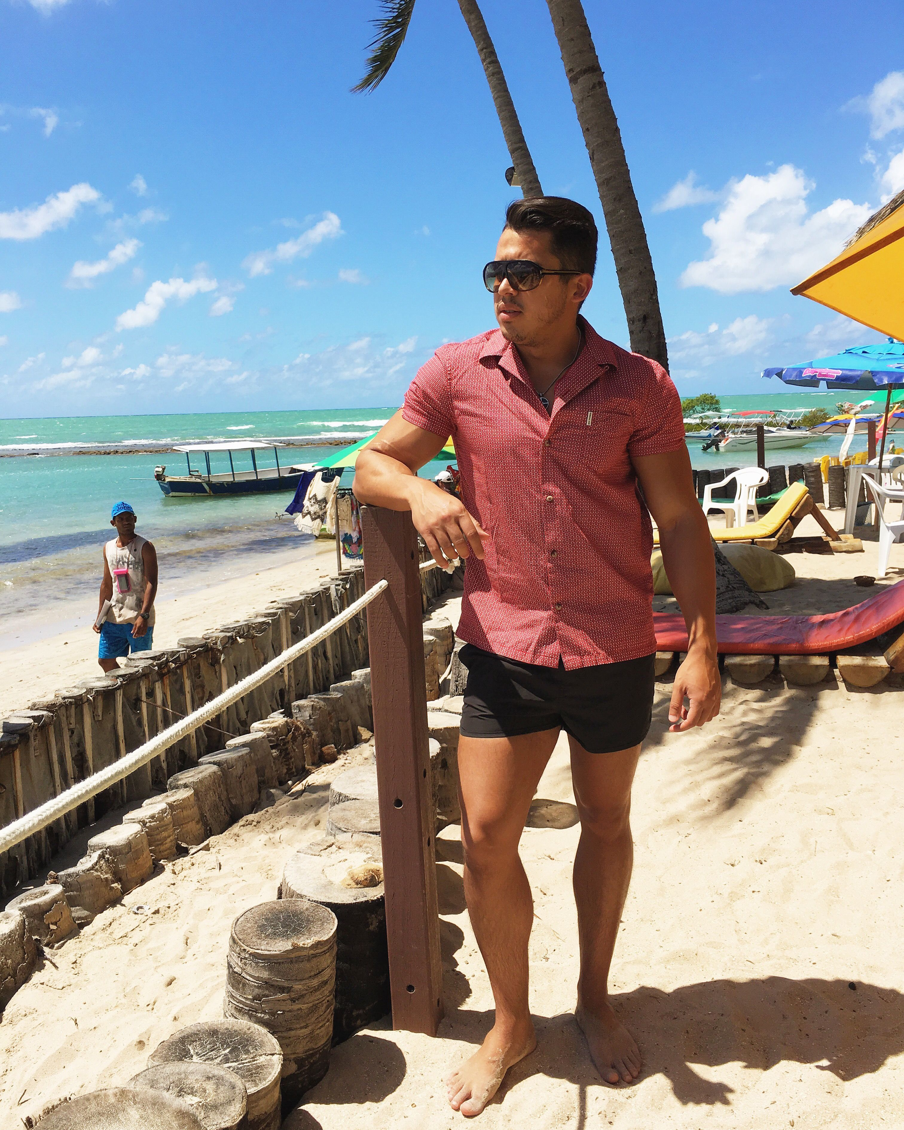 8a155af9cee8 4 Men's Beach Outfit To Get You Inspire Before The End Of Summer ...