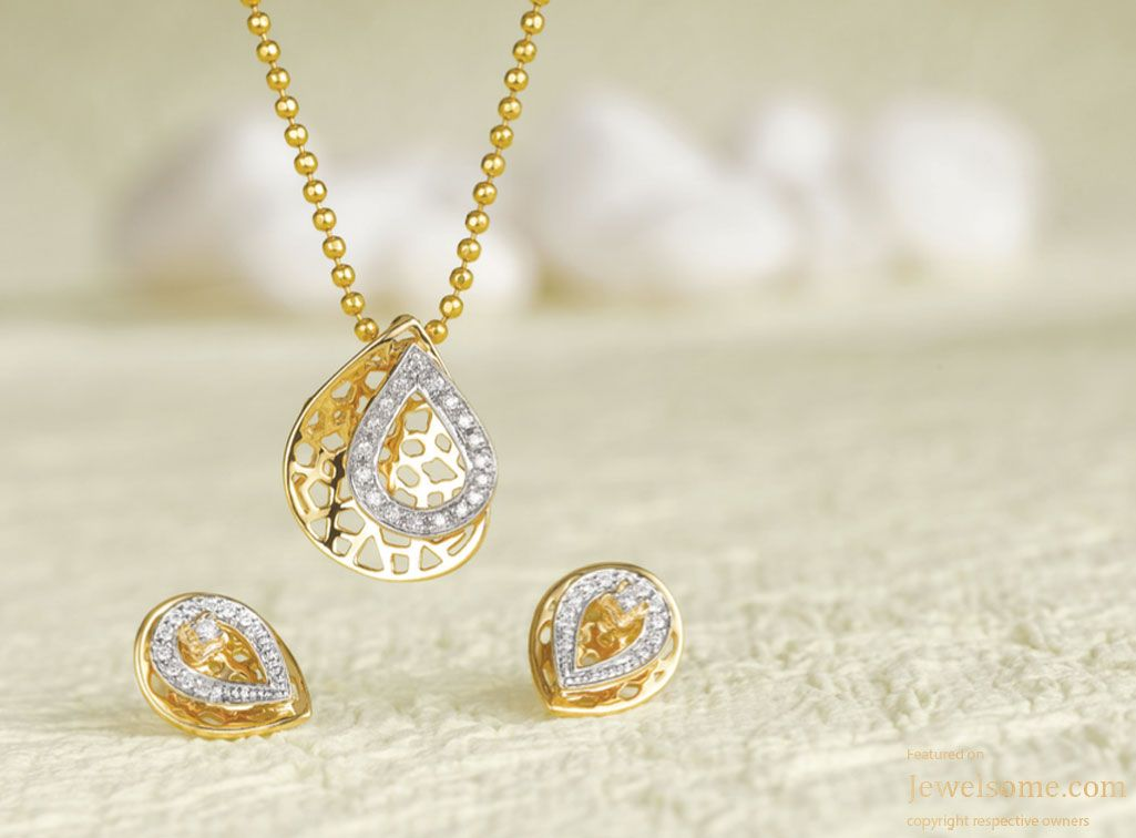 ce9147974401b Tanishq Mia pendant and earring set | alka in 2019 | White gold ...