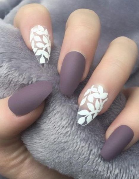 20+ Fantastic White Leaf Nail Art Designs to Look Pretty on Your Big Day - 20+ Fantastic White Leaf Nail Art Designs To Look Pretty On Your Big