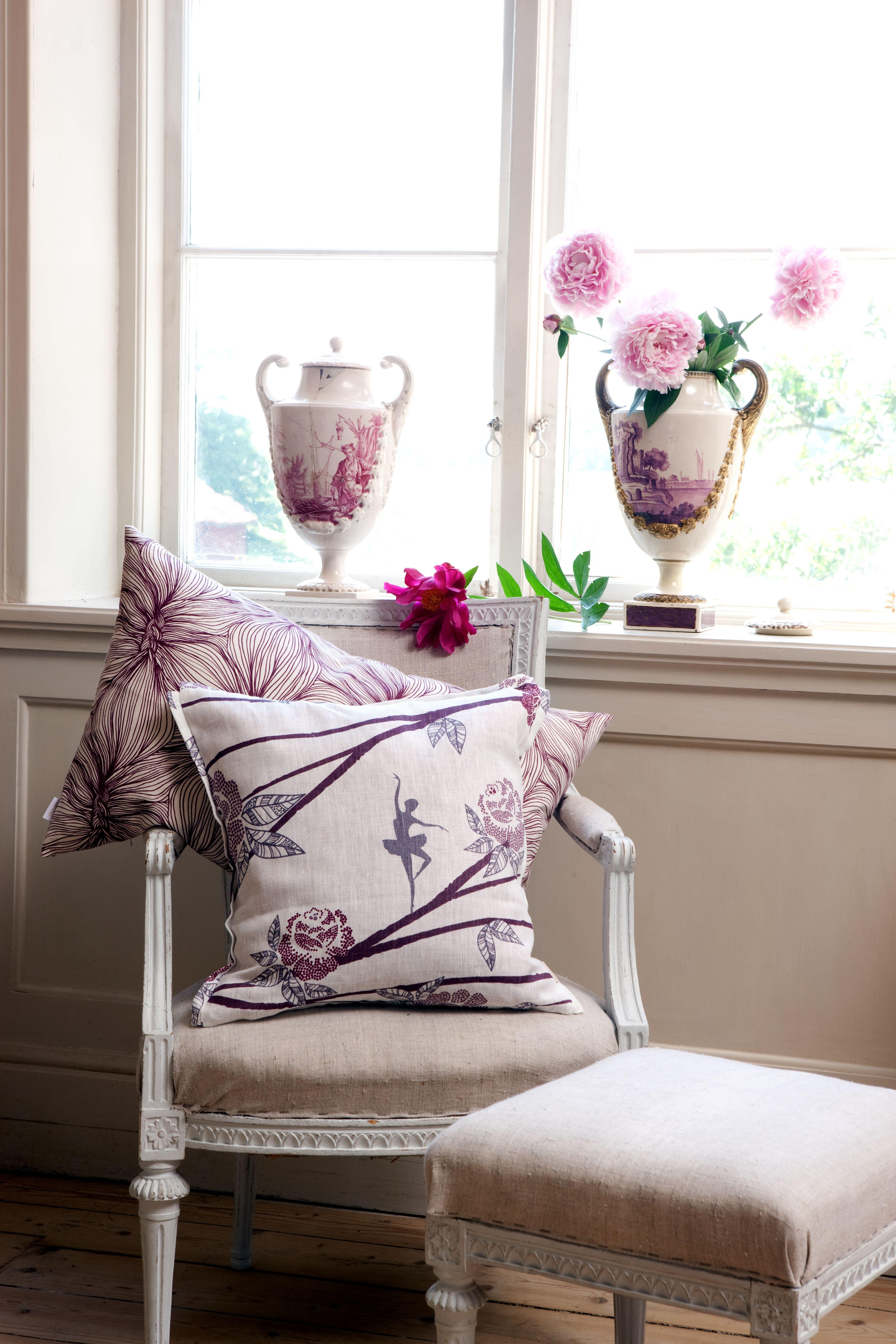 Mairo ballerina pillow case designed by sandra lööv linen