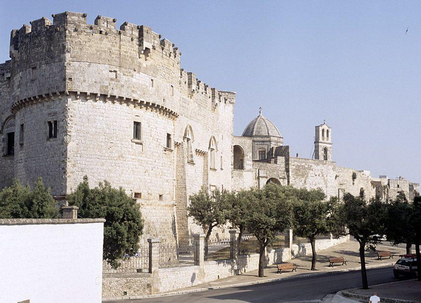 Carovigno Italy  city photos gallery : Carovigno Castello | Puglia Italy | Pinterest