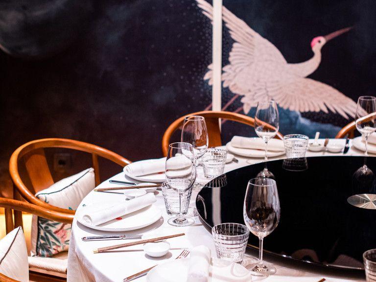 China Crown El Restaurante Que Nos Lleva A La China Imperial Sin Salir De Madrid Pollo De Corral Restaurante Chino Costilla De Ternera
