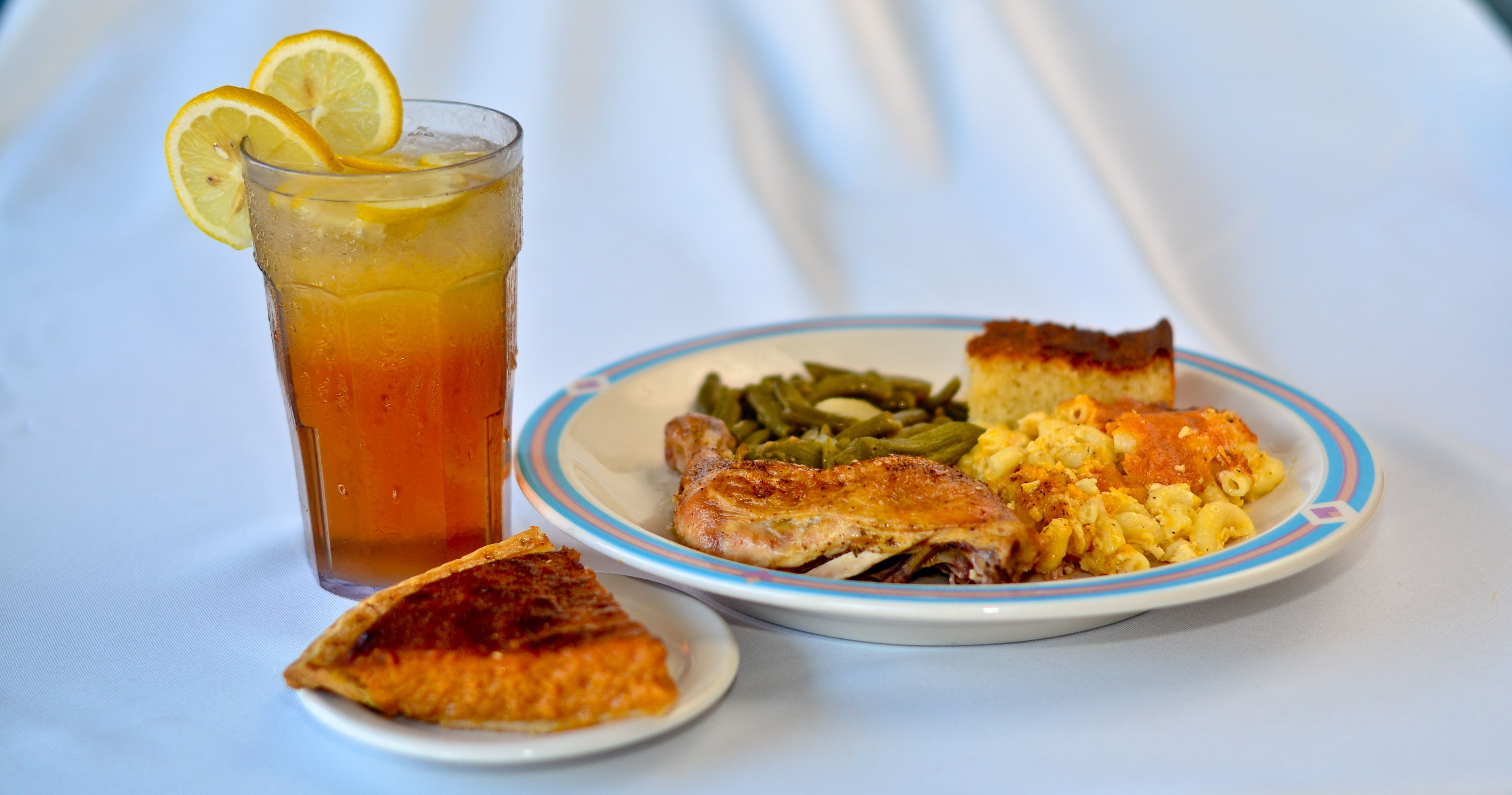 Sweetie Pie S Southern And Soul Food Yum Sweetie Pies Restaurant Food Soul Food Restaurant