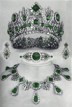 Emerald parure that belonged to Archduchess Marie Louise of Austria, Duchess of Parma and Empress of the French. The parure was a gift of Napoleon Bonaparte to Marie Louise on the occasion of their wedding and it includes a diadem, a necklace, earings, a comb and a belt clasp/brooch. Created by Etienne Nitot et fils, the parure is consisted of a total of 138 emeralds, 382 rose-cut diamonds and 2,162 brilliant-cut diamonds.