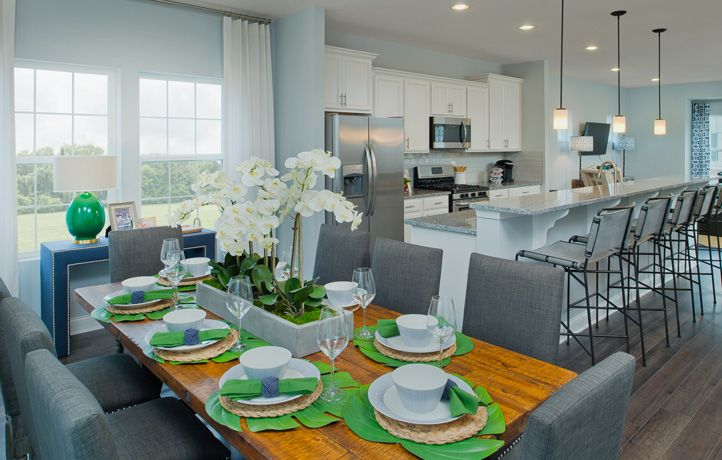 Dining Area Off Of The Kitchen In The Easton At Creekstone