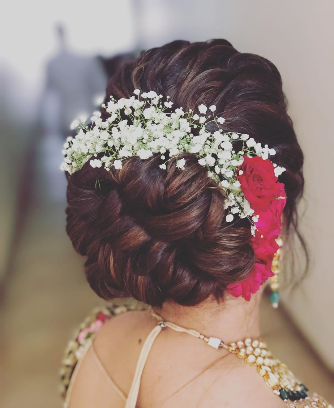 Gorgeous Romantic Messy Bun Hairstyle Bridal Reception Hairstyle By Mua Vejetha Anand For Swank Bridal Hair Buns Indian Bridal Hairstyles Messy Bun Hairstyles