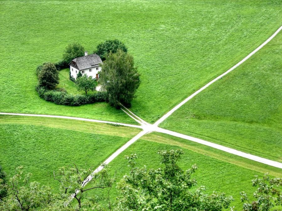Id Love To Live In The Middle Of Nowhere Like This Home Is