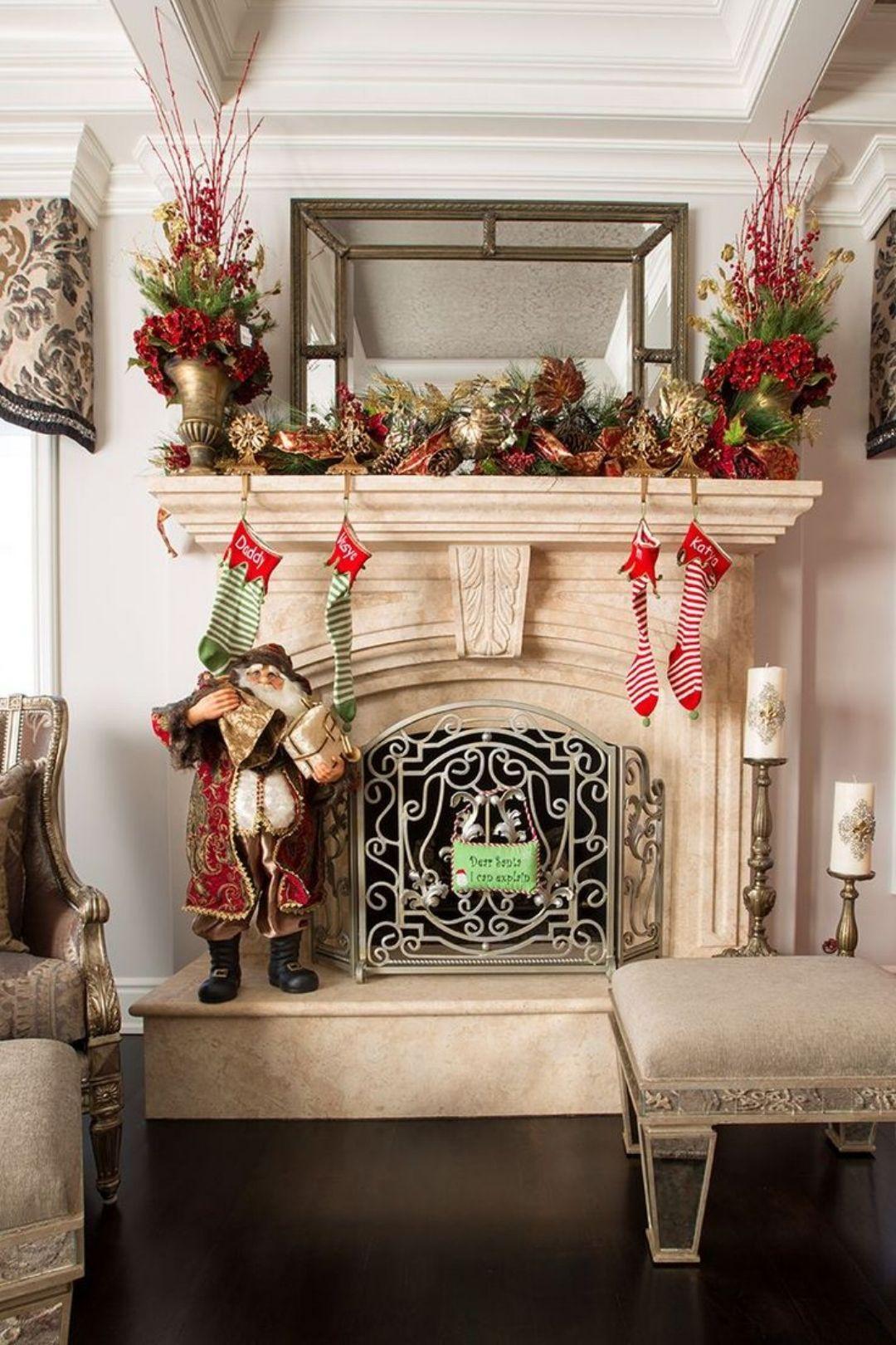 35 Beautiful Christmas Mantels   Christmas mantel ...