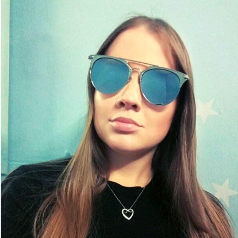 Photochromatic cat eye fashionable sunglasses women