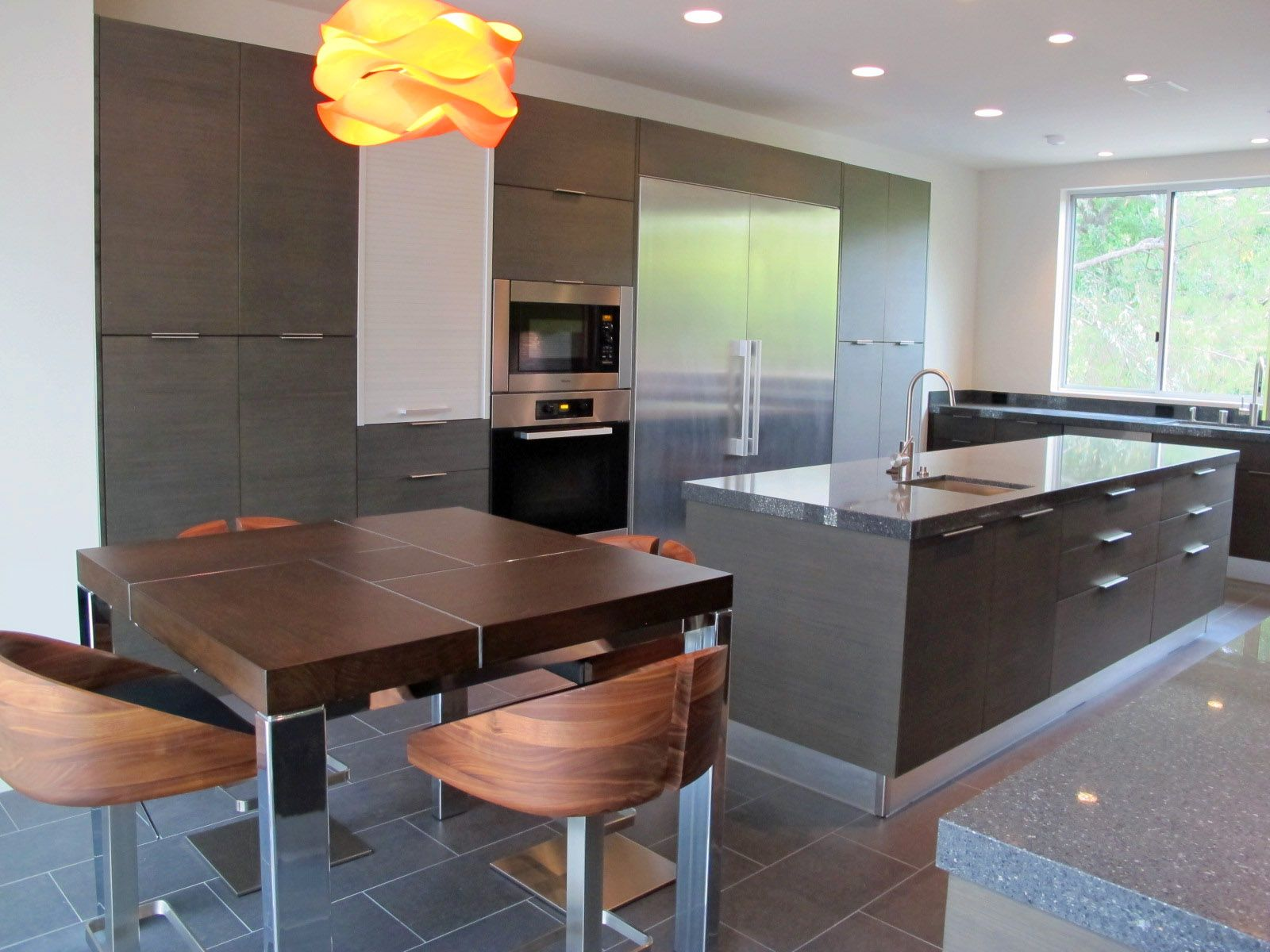 At new form kitchen we design the custom closets that reflect your