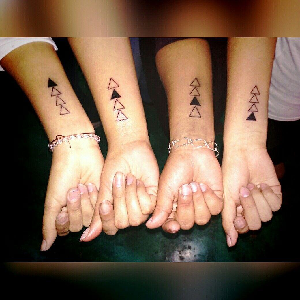 Un Pequeño Tatuaje Con Mis Primas Símbolo De Hermandad Tatuajes