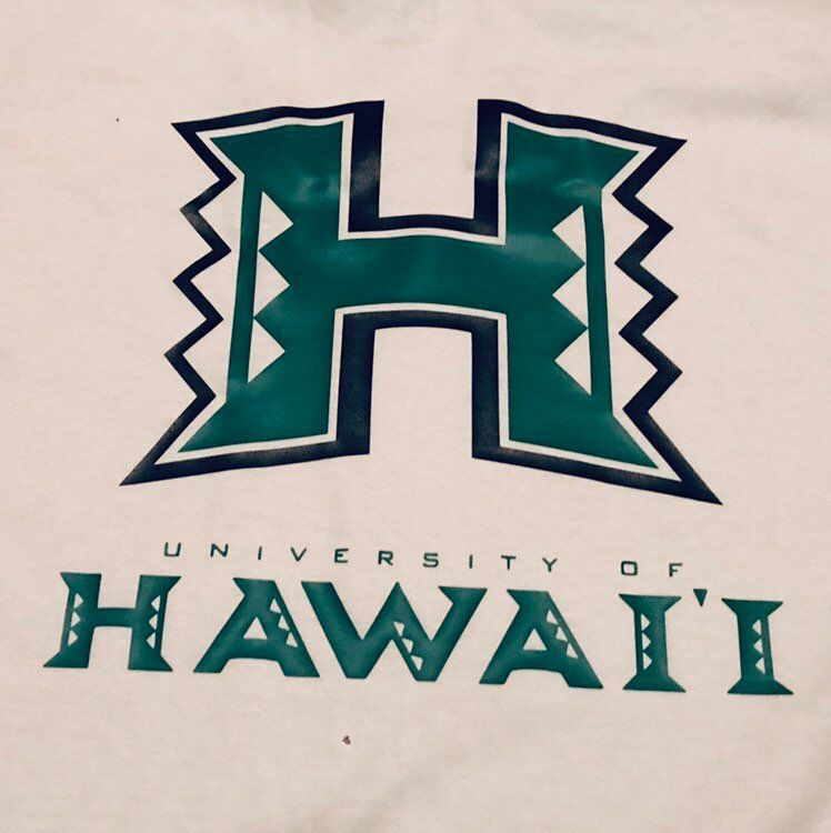 Excited To Share This Item From My Etsy Shop University Of Hawaii Shirt University Of Hawaii Dream College Hawaii Life