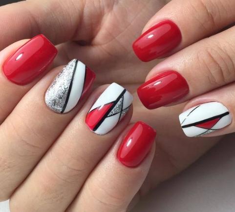 30 elegantes diseños de uñas rojas: la mejor moda de tendencia