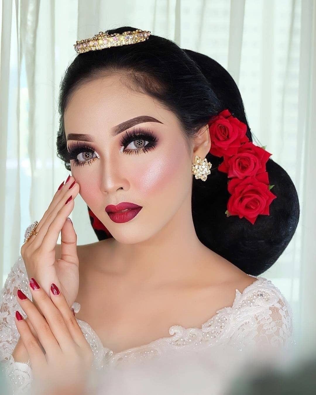 Pin oleh Siti Sopiah di Make up pengantin Kecantikan