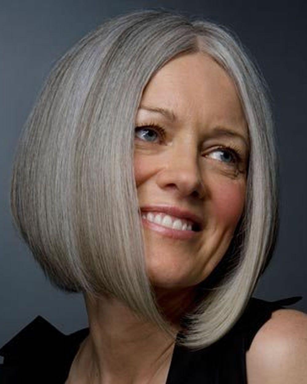 3 einfache kurze Pixie & Bob Haarschnitte für ältere Frauen über