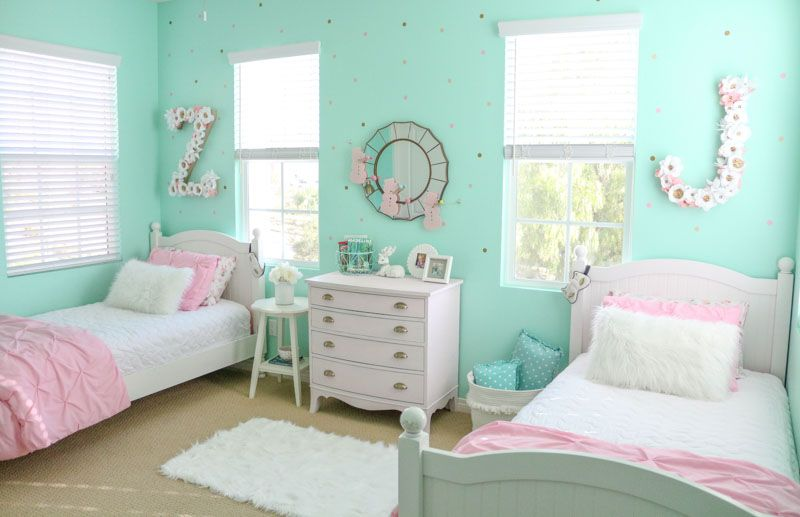Girls Shared Cozy Winter Bedroom In 2020 Shared Girls Room Mint Green Bedroom Mint Green Rooms