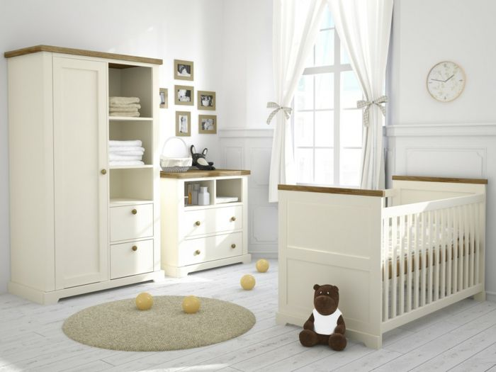 Sympatisches Kinderzimmer Mobel Creme Farbe Babybett Schrank