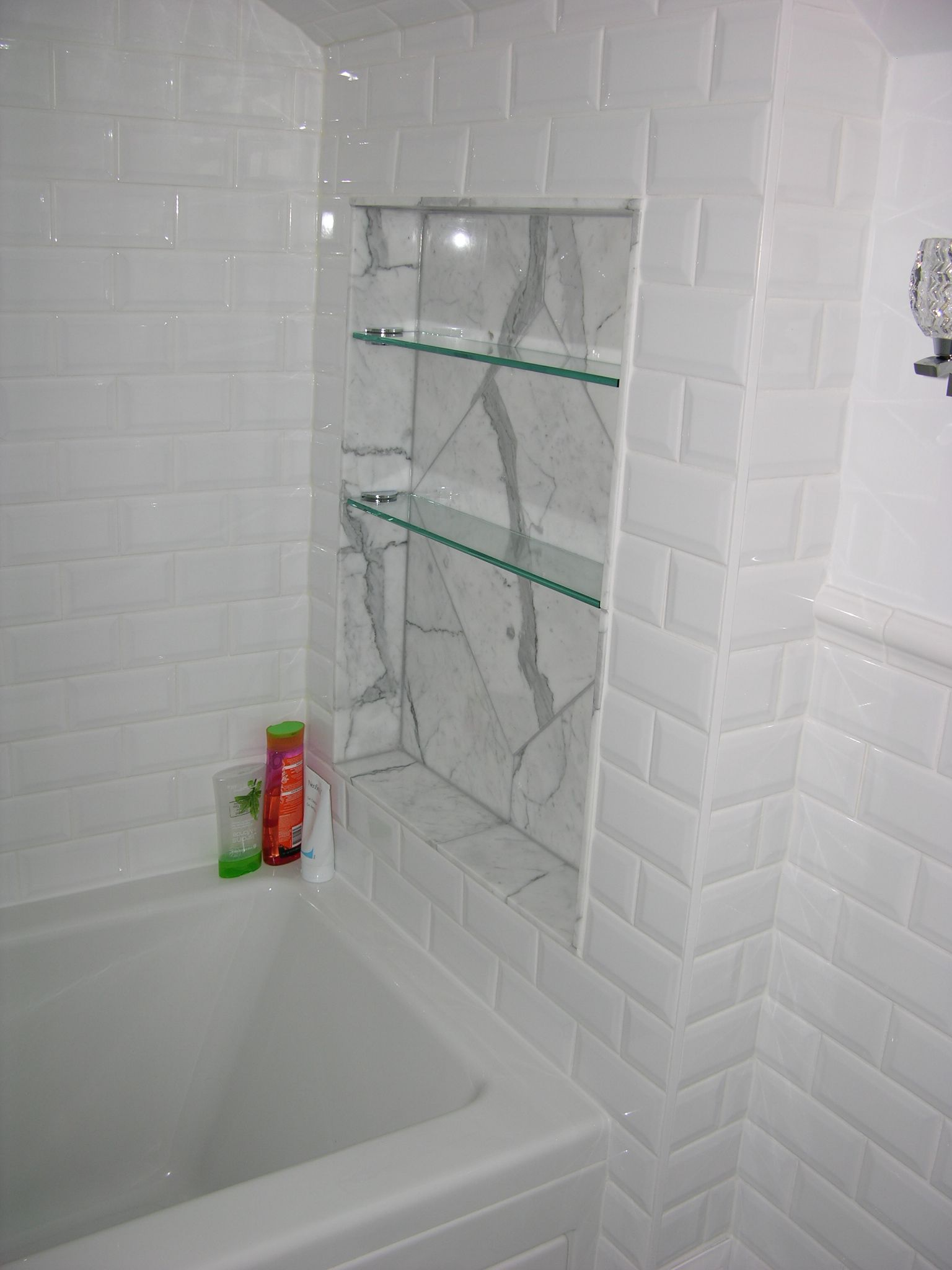 Statuario Marble Shower Niche And Glass Shelves With White Bevelled Wall Tile Caledon With Images Bathroom Tile Shower Tub White Tile Bathroom Shower Diy Shelves Bathroom