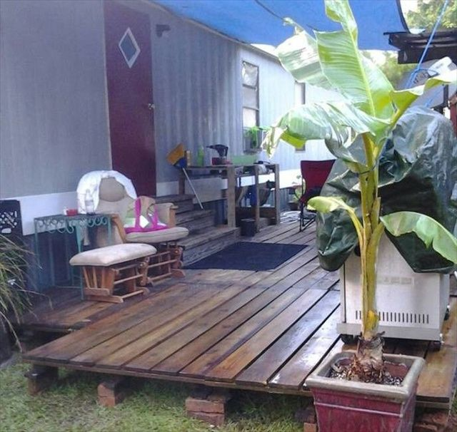 Diy pallet deck yo pinterest pallet deck furniture wooden diy pallet deck solutioingenieria Choice Image