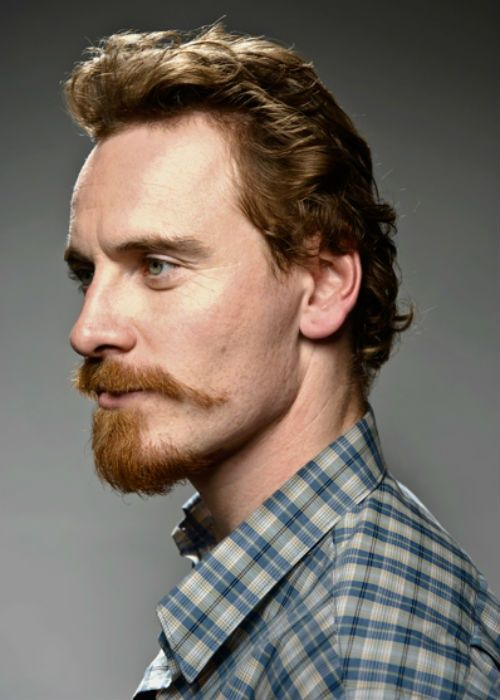 I love his profile.. That mustache.. so sassy Fassy ...