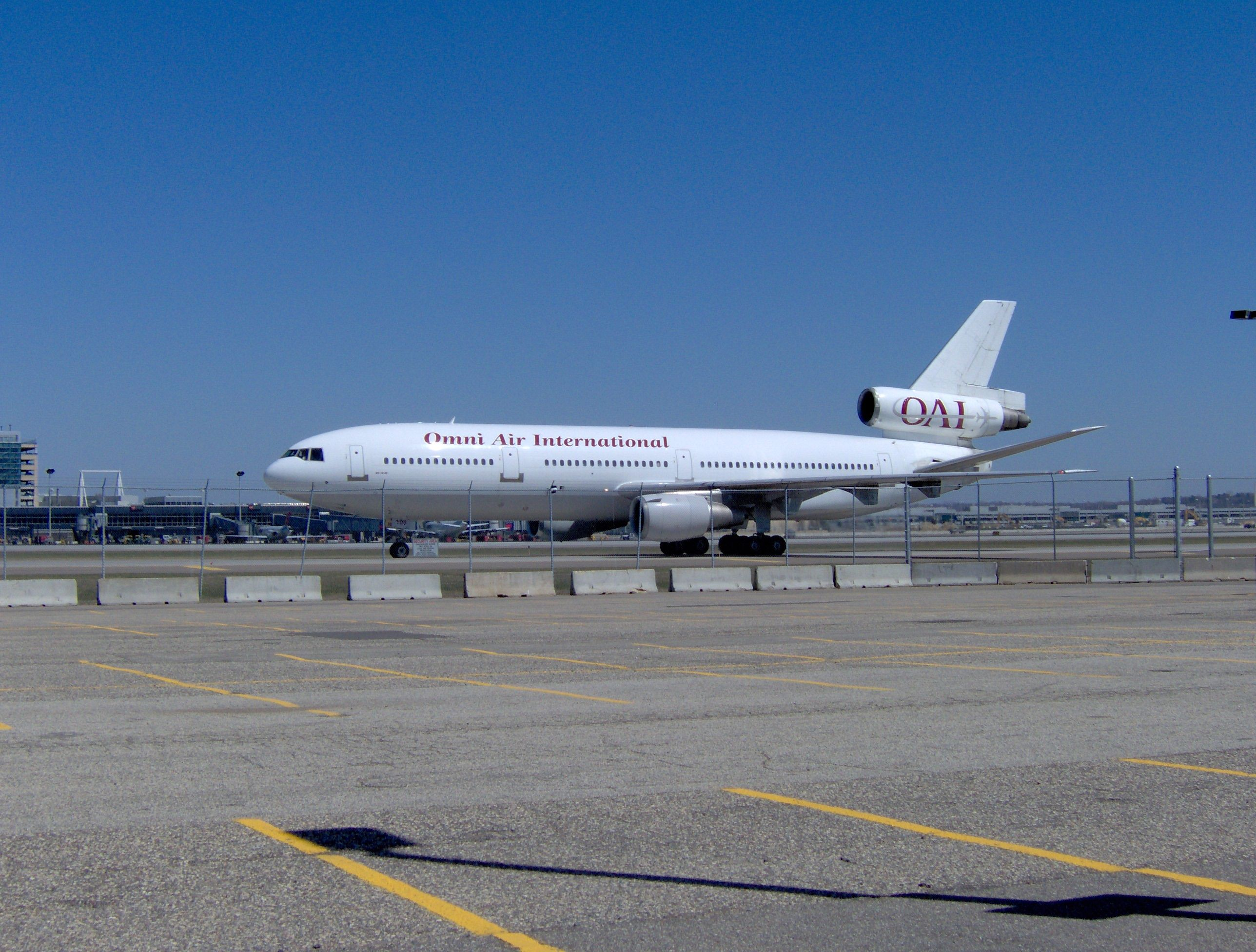 Omni Air DC10 Arrival KMSP