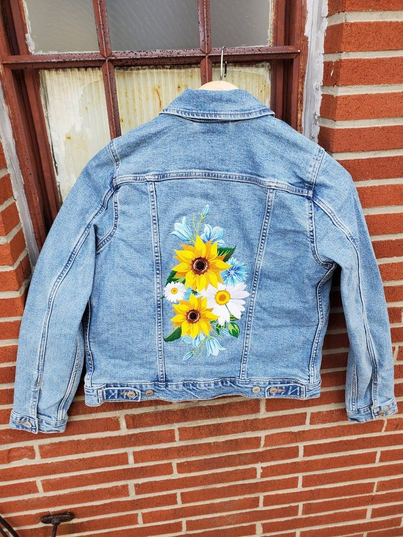 Embroidered Denim Jacket Embroidered Sunflower Denim Jacket Custom Levi S Jean Jacket In 2021 Denim Jacket Denim Jacket Embroidery Embroidered Denim Jacket [ 1059 x 794 Pixel ]