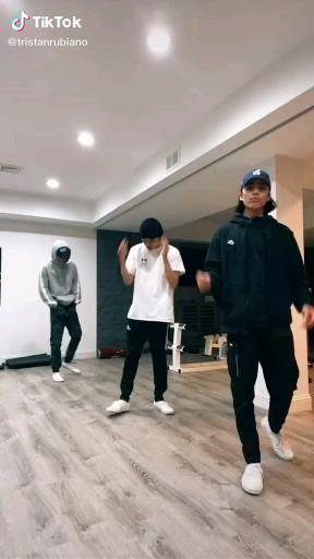Mali4art Video In 2020 Dance Choreography Videos Dance Videos Cool Dance Moves