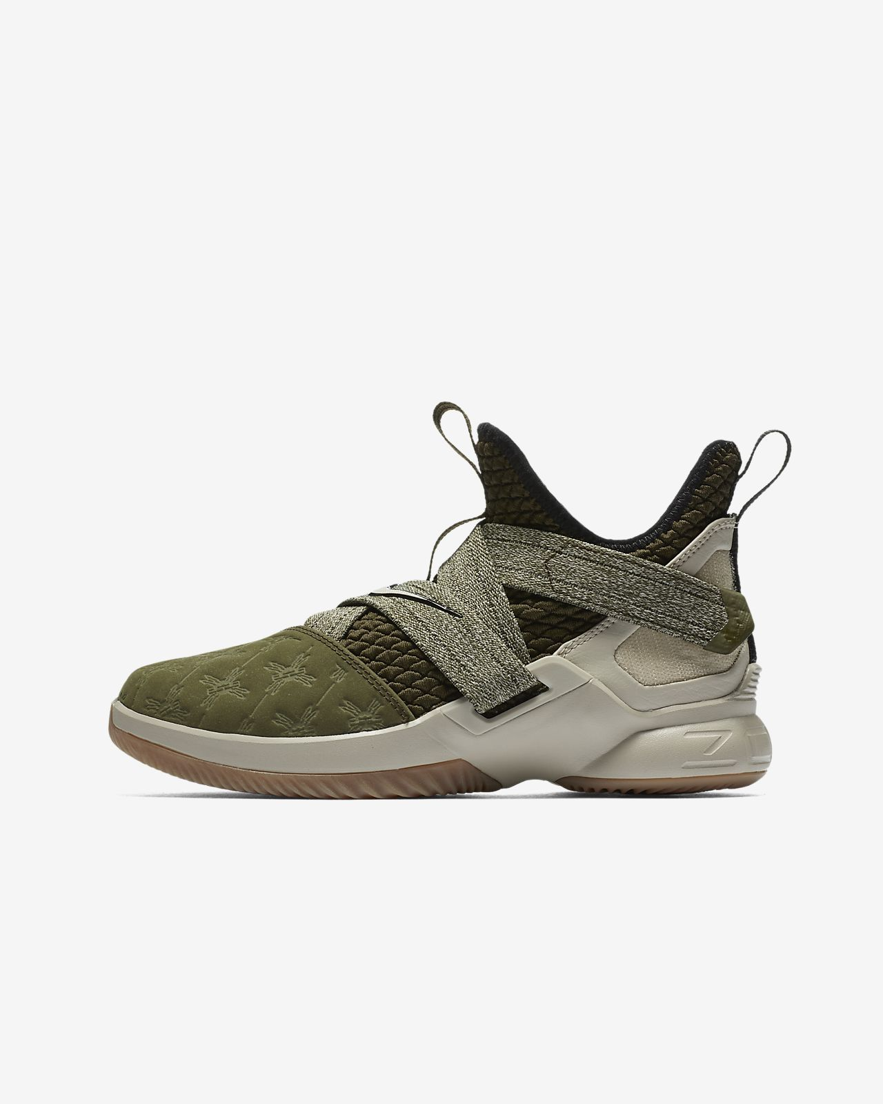 d39a8b54c4eb LeBron Soldier XII Big Kids  Basketball Shoe