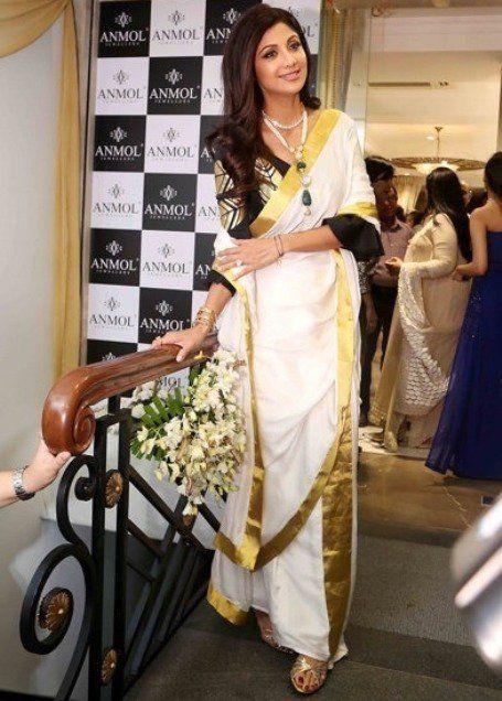 1b49d819c5109d How To Style Your Saree Like A Diva | saree ideas | Kasavu saree ...