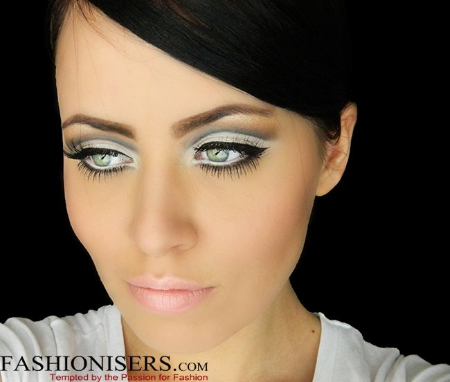 Sixties Inspired Twiggy Makeup Tutorial | Twiggy makeup ...