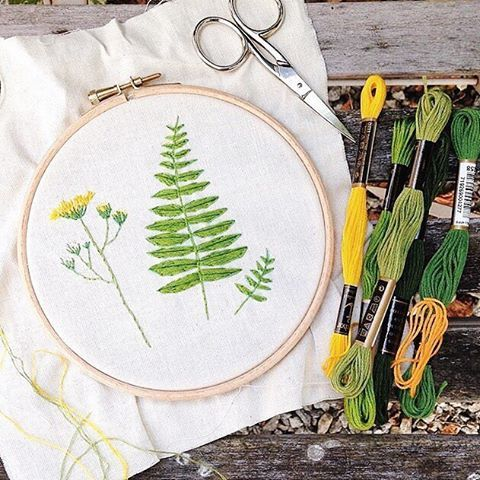 Lovely botanical stitching by @rebeccamaryjane from her Summer Craftpod...and if you live near Sheffield you might like to catch one of her crafty workshops