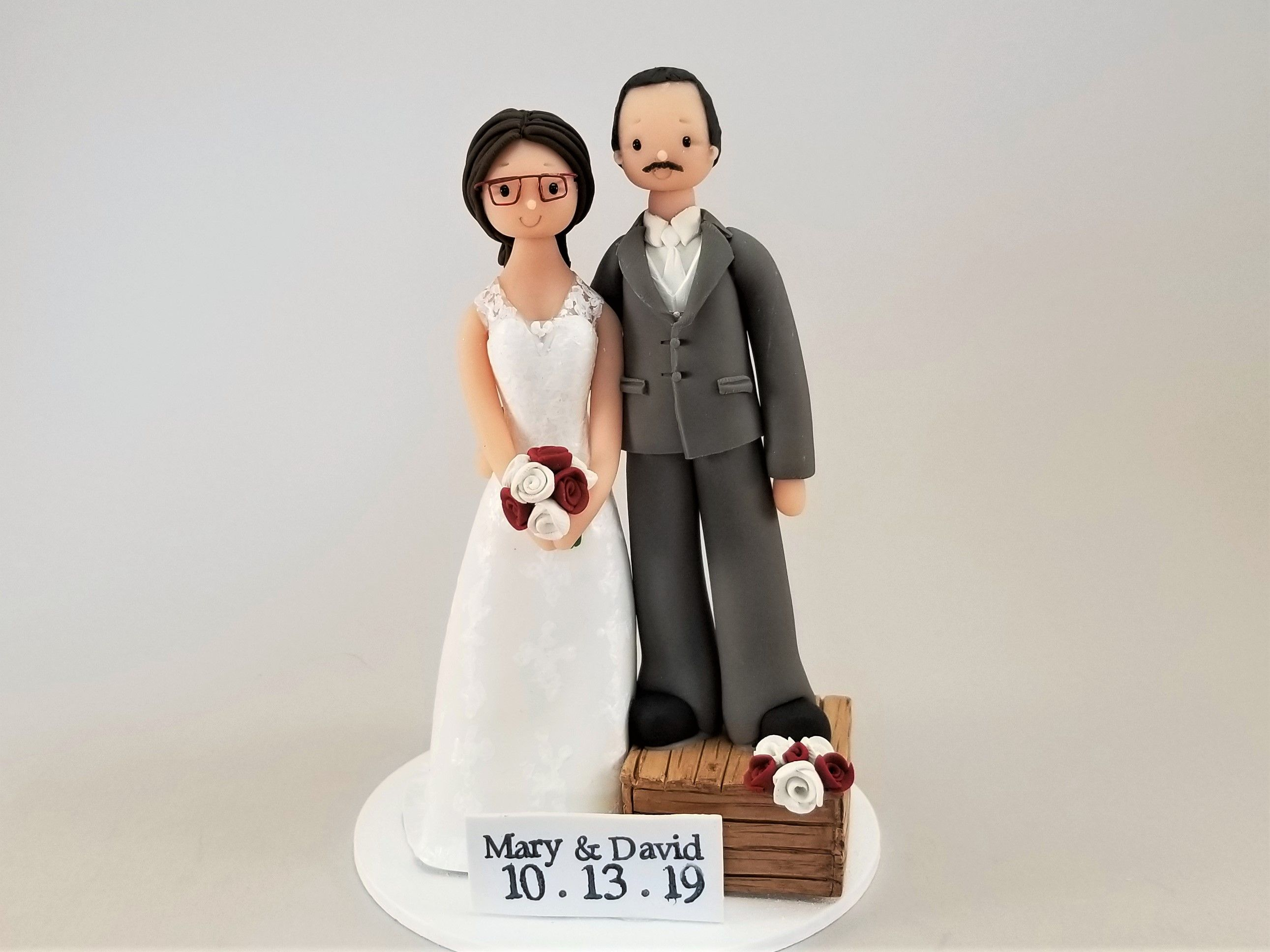 Short Groom Tall Bride Wedding Cake Topper Customized By Mudcards Wedding Cake Toppers Wedding Bride Funny Wedding Cake Toppers