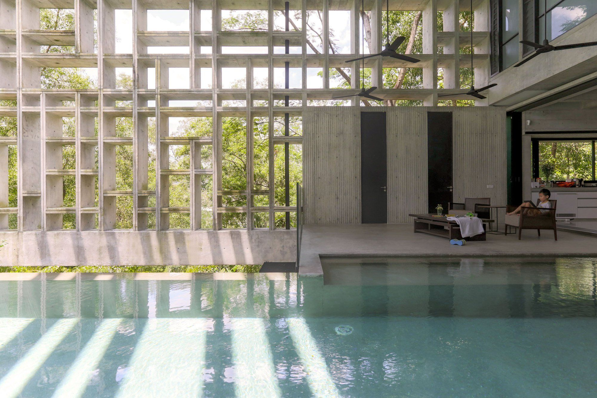 Casa Caja tropical / WHBC Architects