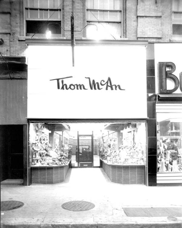 Florida Memory - Thom McAn shoe store