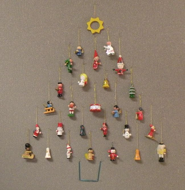 lovely office cubicle christmas decorating ideas | Easy decoration for office cubicle workspace. Mini ...