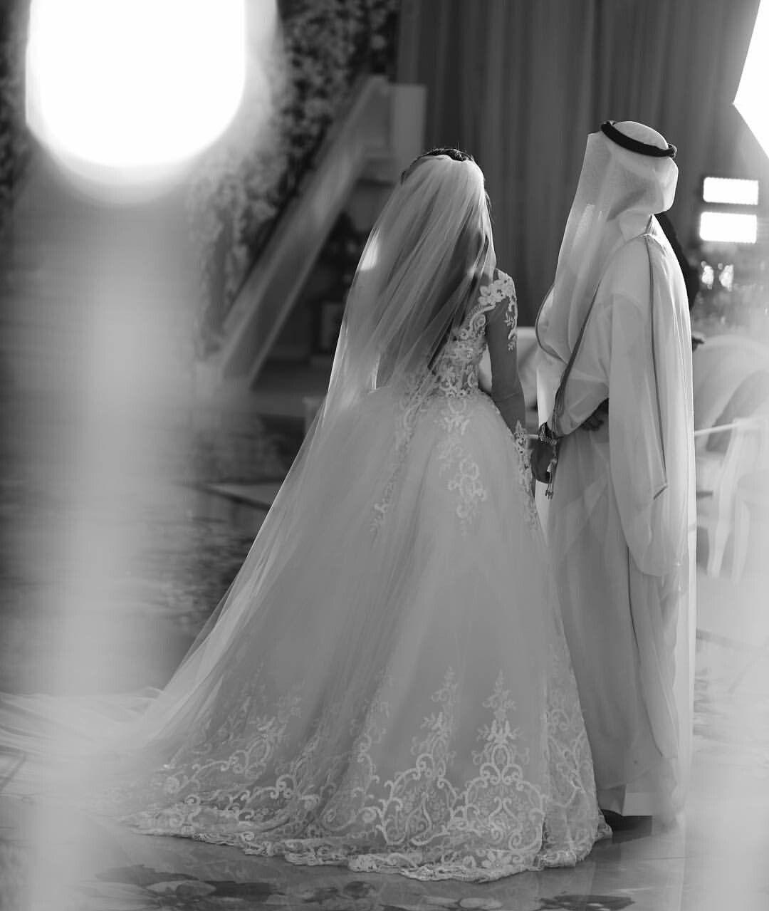 Saudi Wedding Arabwedding Arabcouple Saudiwedding Arabian Wedding Arab Wedding Sparkle Wedding Dress